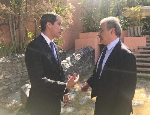 Ricardo Merlo llega a Venezuela con el Grupo de Contacto